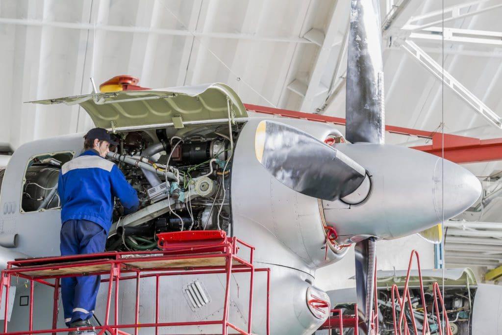 airplane-repair-02